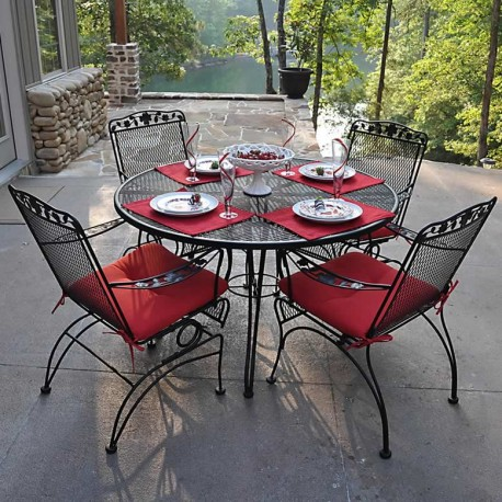 Dogwood Outdoor Dining Set